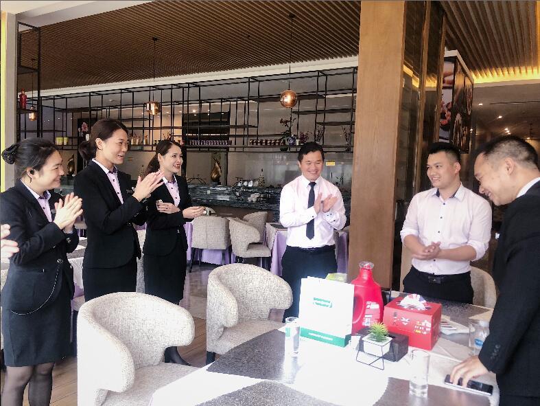 感谢有你 感恩相遇——记南宁市裕达国际酒店员工生日慰问活动