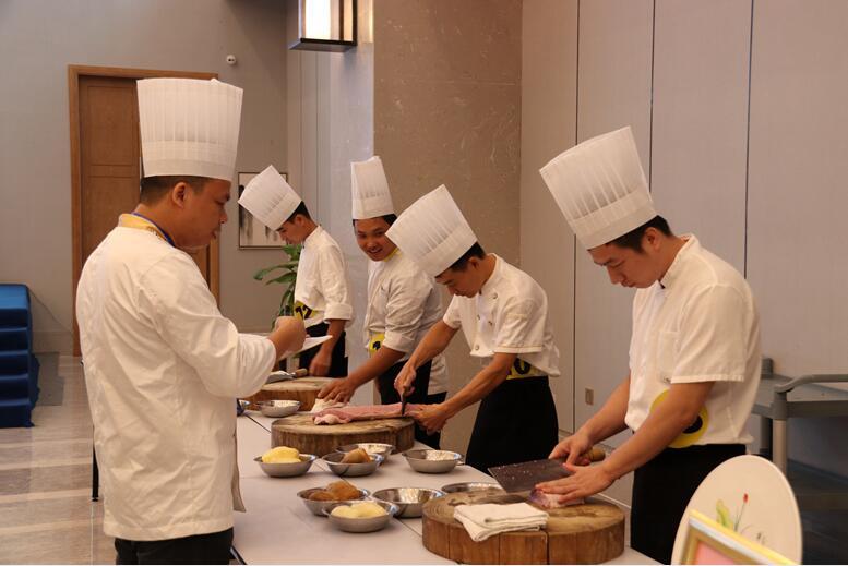 方寸舞台 尽显风采---广西裕达旅游集团成功举办首届员工技能大赛