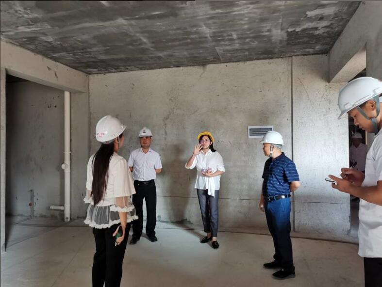地产一公司翡翠园、裕嘉园项目工程质量自检现场专题会